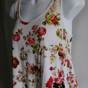Ambiance Floral & Lace Tank Top - S